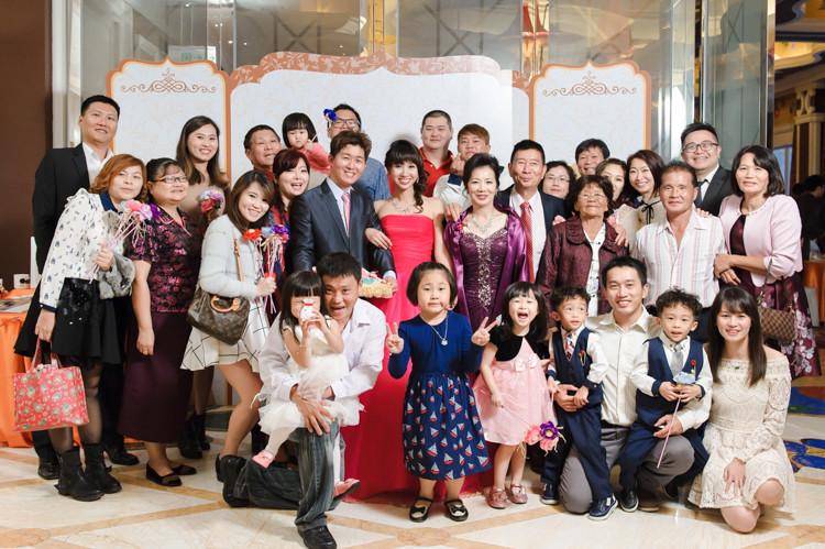 台中,婚禮紀錄,婚禮紀實,中僑花園飯店,金珊瑚廳,美式婚禮,自然,婚攝,婚攝肉圓,玩想影像,宴客,儀式