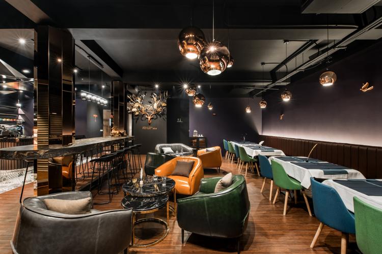 新竹,紅羽毛餐酒館,空間攝影,台中,玩想影像,海納設計,室內設計,商業空間,商空,商空拍攝,推薦,攝影